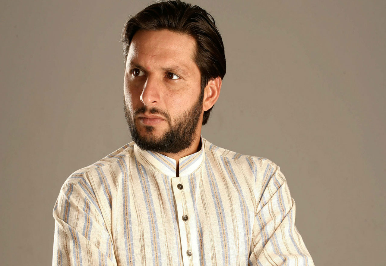 Shahid-Afridi-Clothing-Mens-Eastern-Wear-Kurta-and-Sherwani-Designs-(1)